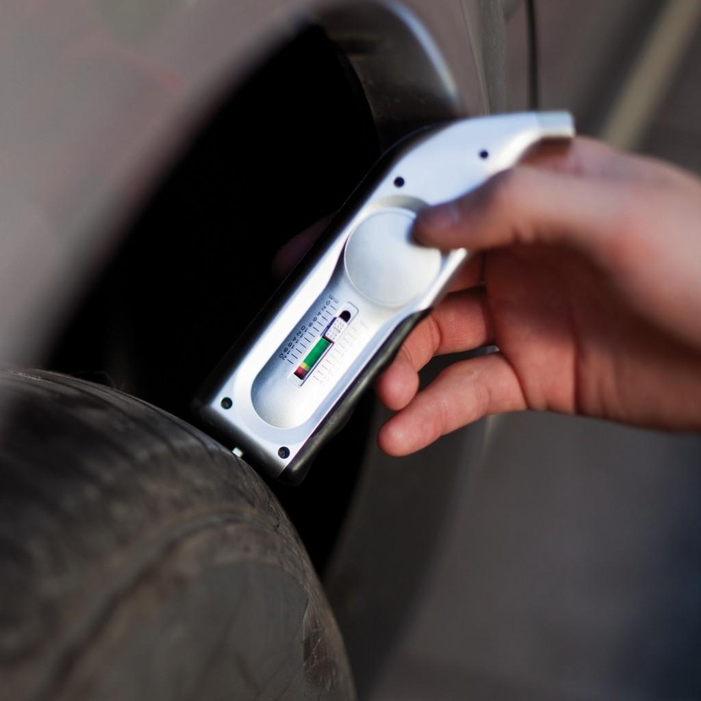 Digitaler Reifendruck- und Profiltiefenmesser, Ansicht 7