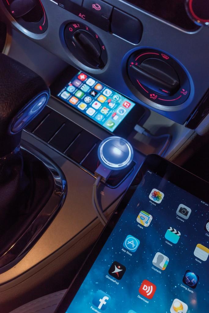 Leistungsstarkes Auto Ladegerät mit Dual Anschluss, Ansicht 6