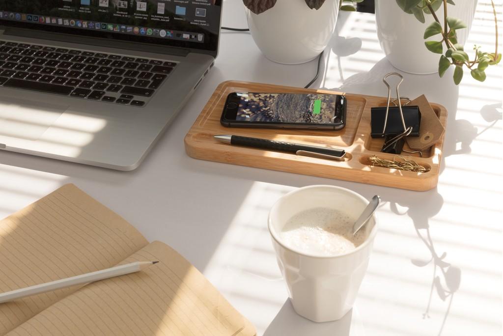 Bamboe desk organizer met 5W draadloze oplader, View 5
